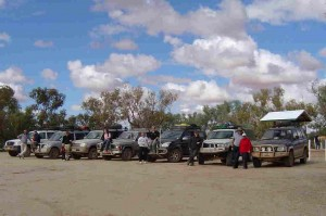 The Convoy 300x199 Crossing the Simpson Desert for Beginners (Part 1)