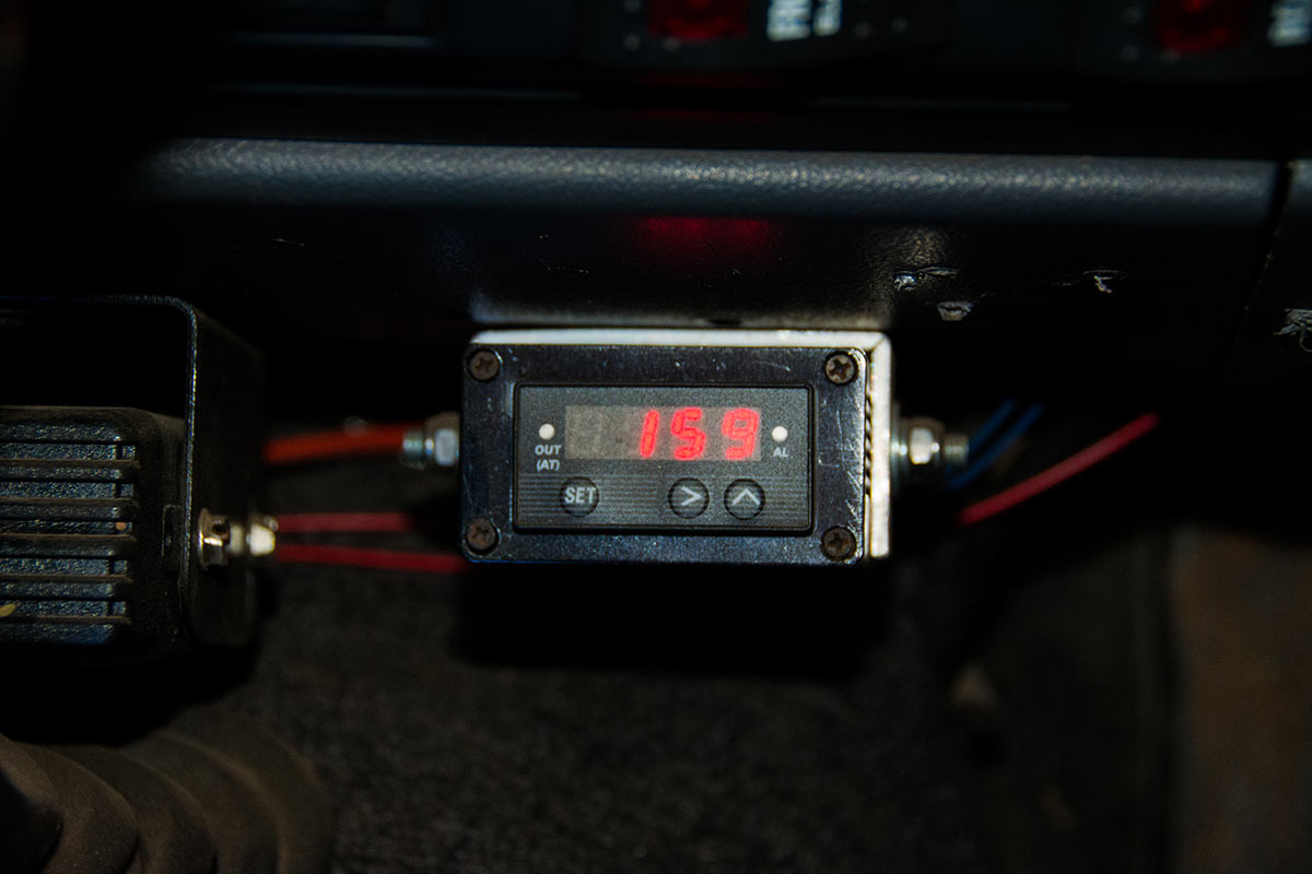 Add an external gauge to monitor temperature in your 4WD