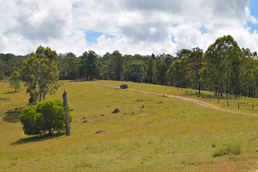 Touring trails in 4WD