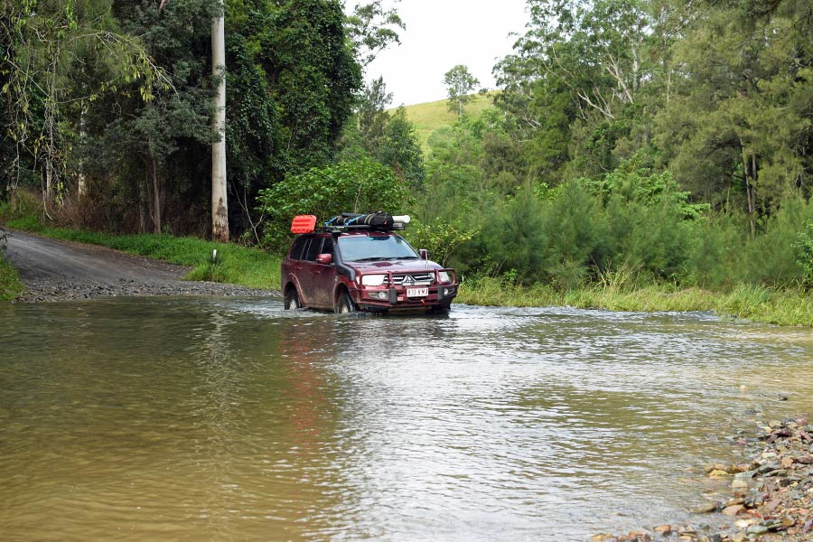 4WD about to drive through water