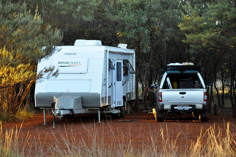 Gravel-campsites-at-Dales-Campground