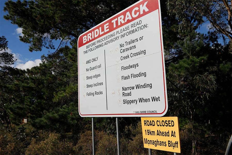 Bridle Track sign