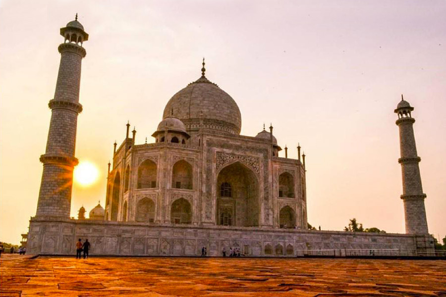 View of Taj Mahal at sunset in Agra, India