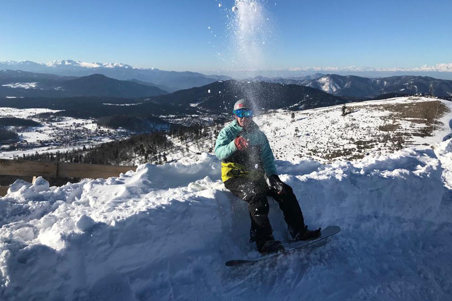Snowboarding-in-the-Caucus-Mountains