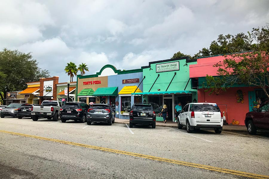 Vibrant store colours in Florida