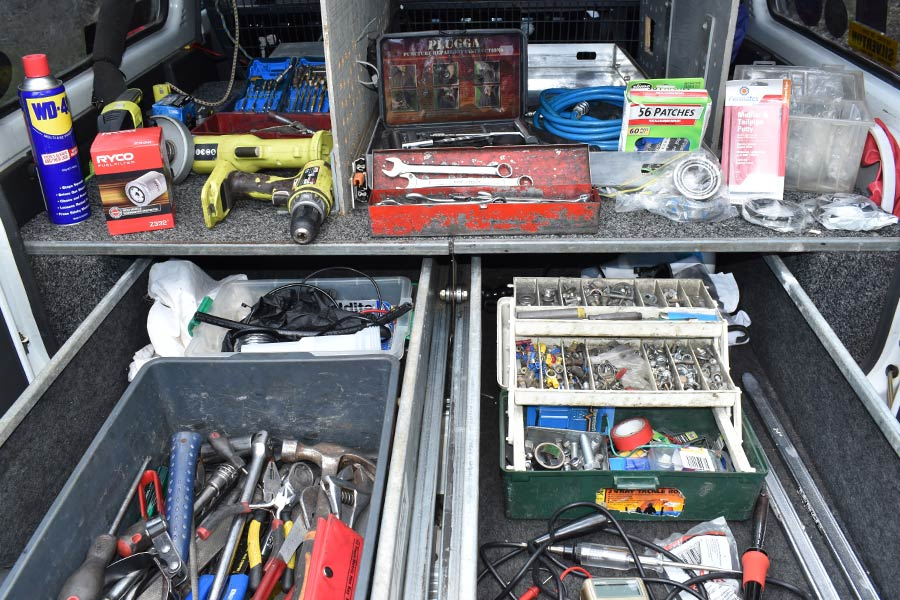 Lots of tools to have on board in case a 4wd needs repairing