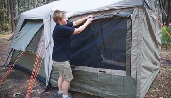 Turbo Awning Screen Room 450 - Video
