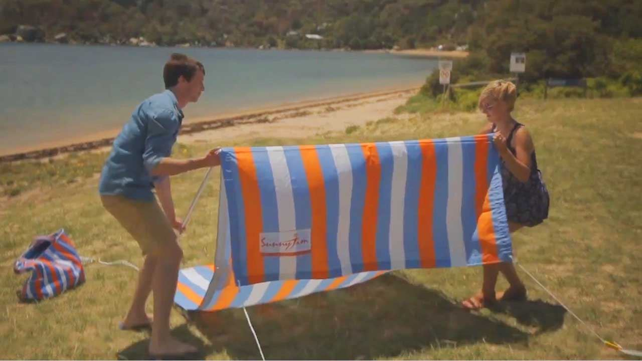 Bondi Black White Sunshade - Video